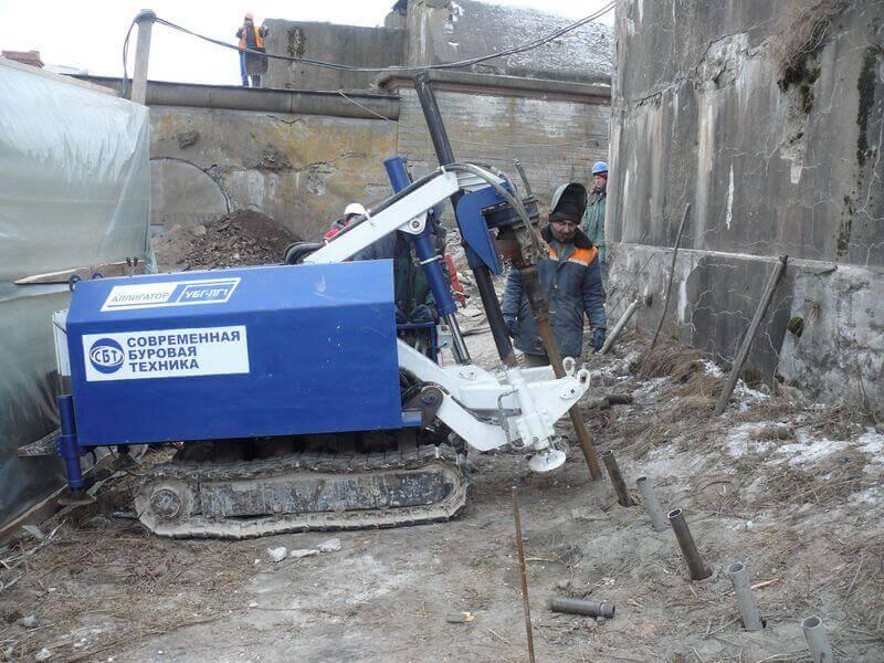 Буровые работы при усилении фундаментов